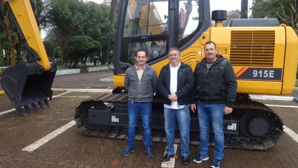 Vereador Marcinho, Prefeito Serginho e presidente da Câmara Matheu Huppes